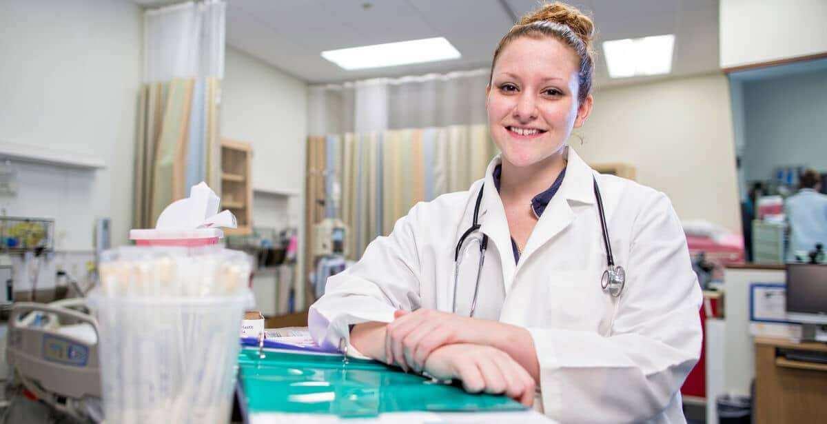 Post-master's DNP nursing student