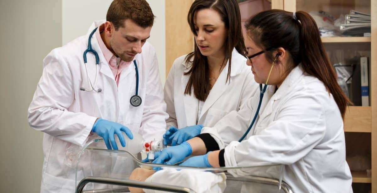 Three nurse practitioners in training